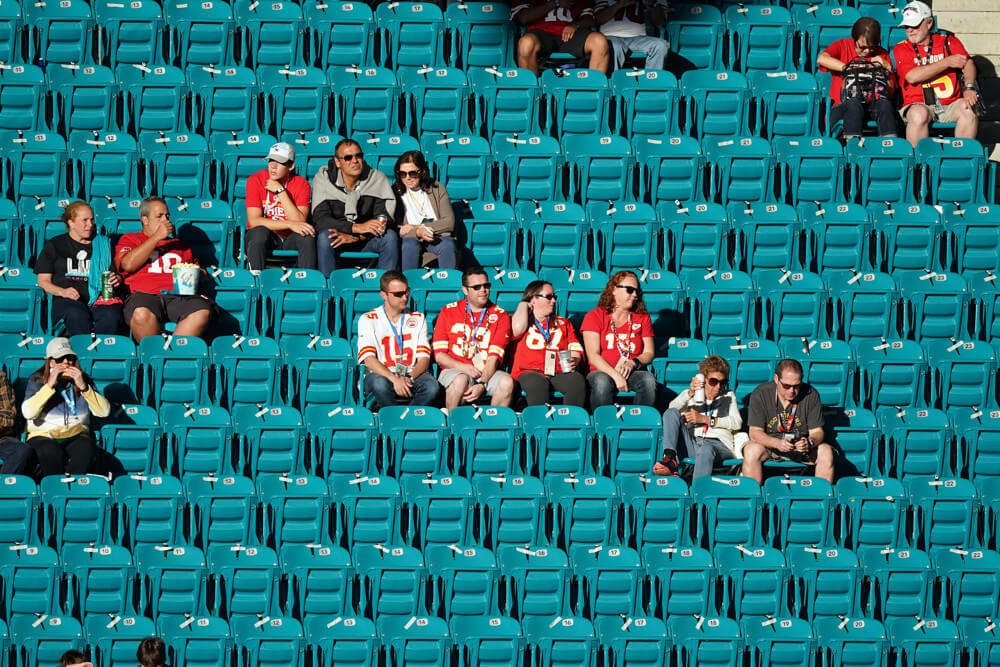 will nfl teams allow crowds at games